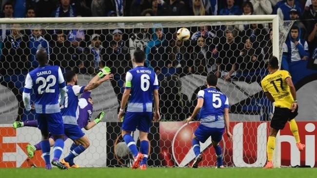L'ex-portier du Real, Iker Casillas, a encaissé un but gag en poussant lui même le ballon dans les filets, après un premier arrêt magistral. (Crédit photo : Getty Images)
