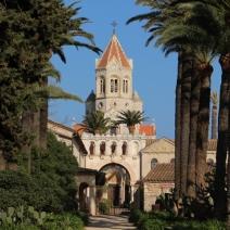 La façade de l'abbaye de Saint-Honorat. (Crédit photo: Maxime Bonnet)