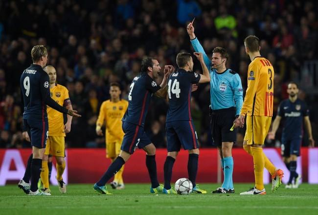 Fernando Torres est exclu à la 35ème minute. Il avait ouvert le score dix minutes auparavant. (Crédit photo : AFP)