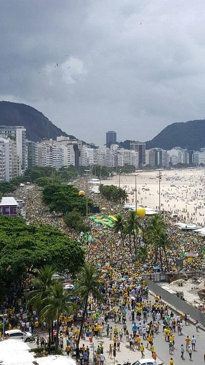 Le 13 mars, près de 3 millions de manifestants sont descendus dans la rue pour protester contre le gouvernement de Dilma Rousseff. (Crédit : DR)