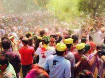 Pour les Indiens, c'est l'occasion de faire la fête et de partager des bons moments. (Crédit : Twitter/@iramabbasi)