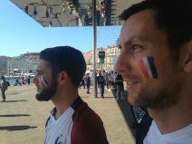 Dès 14h, les supporters ont envahi le vieux port (Crédit : E.H.)