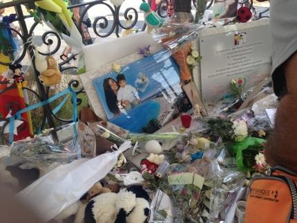 Une photo en hommage au petit Kyllian et à sa mère. (crédit : Djenaba Diame)