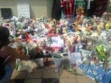 Chaque jour des bouquets de fleurs sont déposés sur les lieux. (crédit : Djenaba Diame)