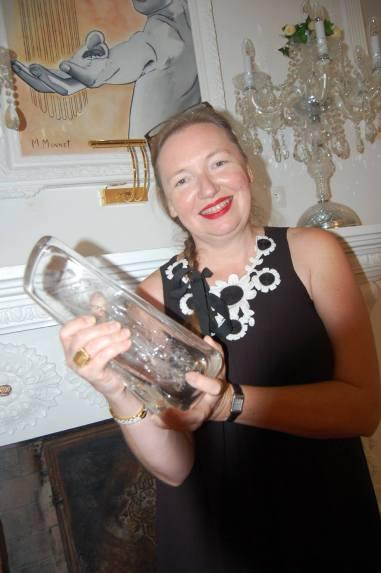 Maureen Mansfield a reçu le trophée Pascal Duquesne. Elle représentait John Asher, réalisateur du film Po. (Crédit photo : TW)