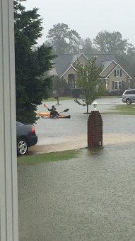 Le 8 octobre, la côte sud-est des États-Unis a aussi été touchée par l'ouragan (Crédit : Twitter/Carol_Sydney).