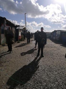 Les différents abris sont définitivement fermés aux migrants (Crédit : Twitter @AKerifa).