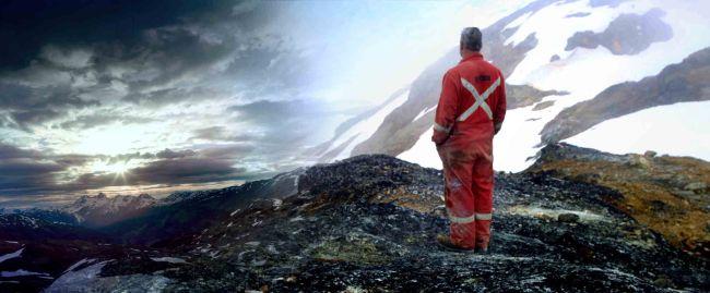 Un mineur de Colombie Britanique contemple le ciel canadien (Crédit : Canada Wild)
