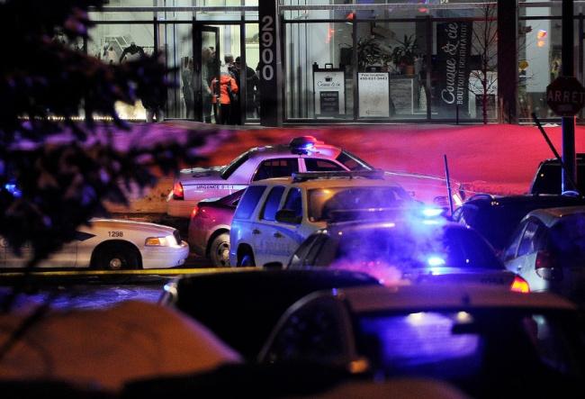 Le Centre au Centre Culturel Islamiste de Québec après l'attaque. (Crédit photo: Annie T. Roussel)
