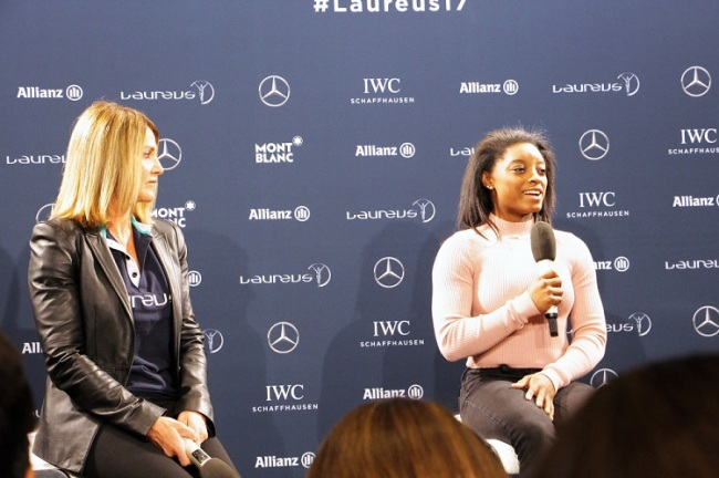 Nadia Comaneci et Simone Biles très complices lors de la conférence de presse. (Crédit photo: Loris Biondi)